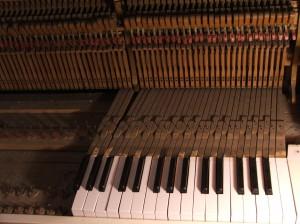 1900's piano